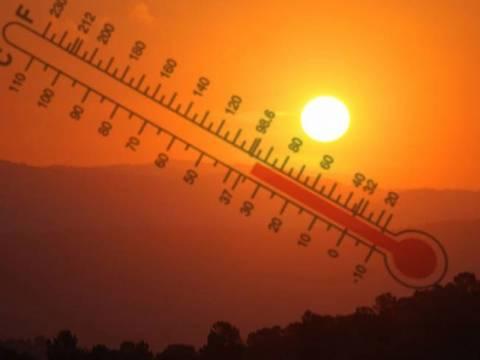 Καιρός: Μίνι καύσωνας σαρώνει (ξανά) τη χώρα