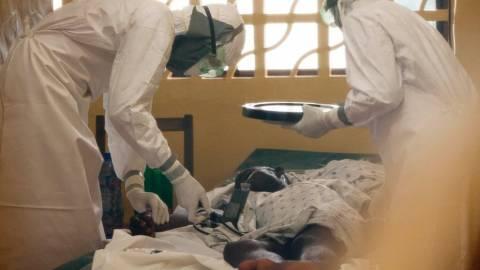 ΗΠΑ: Πιθανό κρούσμα Έμπολα στην Καλιφόρνια