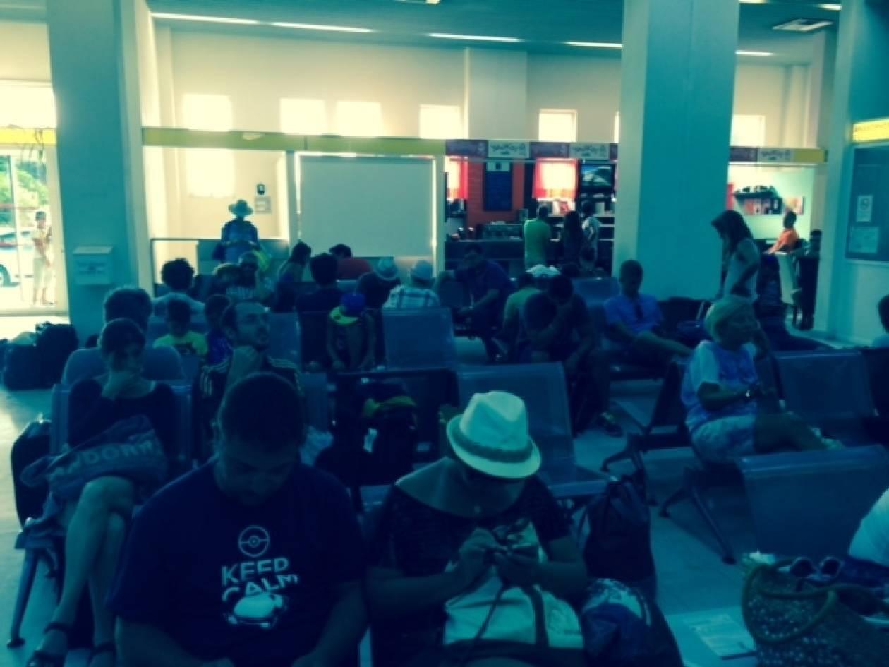 Θρίλερ στη Μήλο: Ακυρώθηκαν πτήσεις γιατί ο ελεγκτής έπαθε λουμπάγκο!