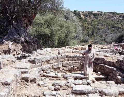 Επίσκεψη του Μητροπολίτου Ρεθύμνης στην ανασκαφή της Αρχαίας Ελεύθερνας