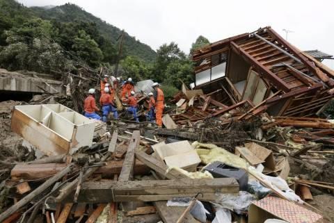 Ιαπωνία: Εντείνονται οι έρευνες για τον εντοπισμό αγνοουμένων στη Χιροσίμα