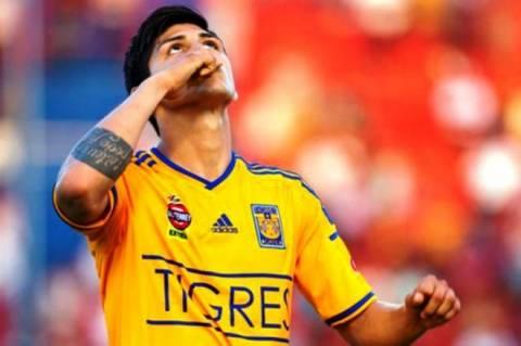 Ολυμπιακός: «Μέχρι τη FIFA ο Πουλίδο»