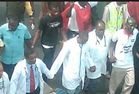 Νιγηρία: Ανεστάλη η απεργία των γιατρών λόγω Έμπολα