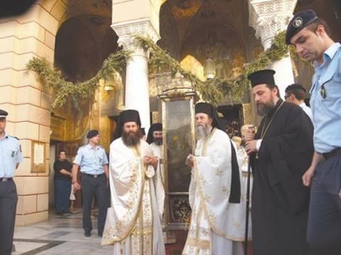 Ζάκυνθος: Χιλιάδες πιστοί στη λιτανεία του Αγίου Διονυσίου
