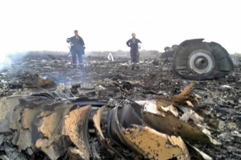 Ρωσία: Καταγγέλλει τη δυτική «σιωπή» για τη συντριβή του μαλαισιανού αεροσκάφους