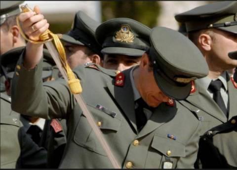 Στα άκρα η σύγκρουση ΓΕΕΘΑ και ΥΠΟΙΚ για το μισθολόγιο των στρατιωτικών