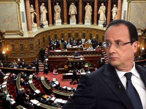 Η Γαλλία πλήττεται από πολιτική κρίση