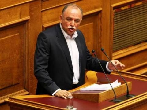 Παπαδημούλης: «Η κυβέρνηση δεν έχει 180, η ΔΗΜΑΡ να μη συμβάλλει στη παράταση του»