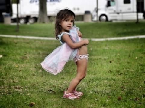 6f22c6e6da Ο πατέρας που φωτογράφισε την κόρη του και δέχτηκε σωρεία αντιδράσεων