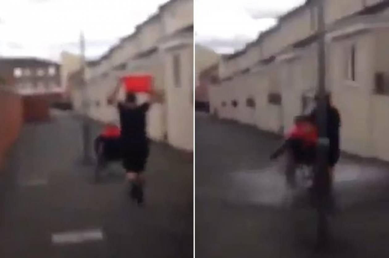Λίβερπουλ: Σοκαριστικό! Υπέβαλαν ανάπηρο άστεγο σε «Ice Bucket Challenge»! (video)
