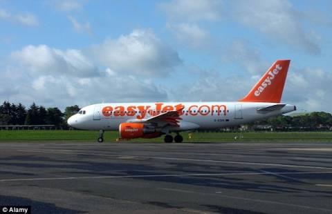 Αναγκαστική προσγείωση αεροσκάφους της easy jet λόγω καπνού! (pics)