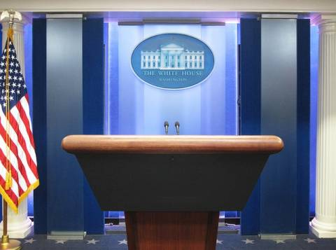 Το σακάκι που επέλεξε ο Ομπάμα «σαρώνει» στα μέσα κοινωνικής δικτύωσης (pics)
