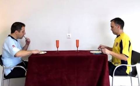 Απίστευτο βίντεο: Έτσι τρώνε οι ποδοσφαιριστές!