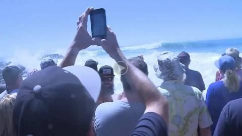 Βίντεο: Από τον θαυμασμό στον πανικό - Έβλεπαν τα κύματα και...