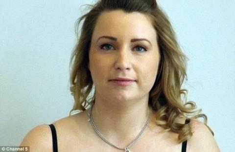 Έσκασαν τα εμφυτεύματα μέσα στο στήθος της! Προσοχή: Σκληρές εικόνες
