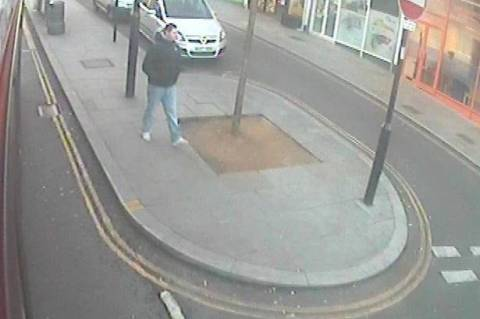 Λονδίνο: Ληστής μαχαίρωσε στην καρδιά 24χρονο με νοητική υστέρηση! (vids+pics)
