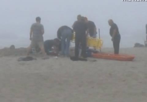 Τραγωδία στις ΗΠΑ: Κοριτσάκι καταπλακώθηκε από την άμμο ενώ έπαιζε! (vid+phs)