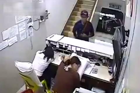 Βιετνάμ: Κοιμόντουσαν στη δουλειά και ο κλέφτης αλώνιζε! (video)