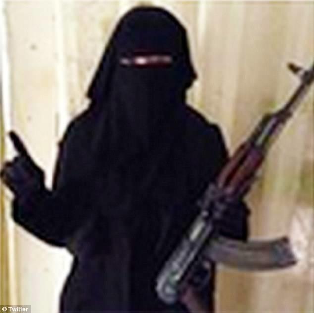 Βρετανίδα μητέρα απειλεί να αποκεφαλίσει χριστιανούς! (vid+pics)