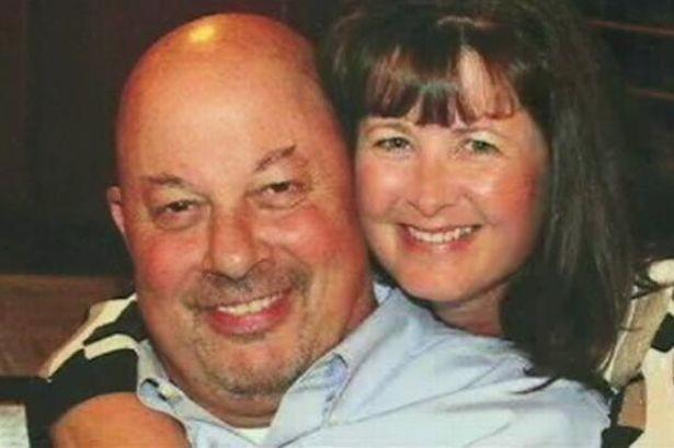 ΗΠΑ: Τον άφησαν να πεθάνει εξαιτίας του τριχωτού στήθους του! (photos)