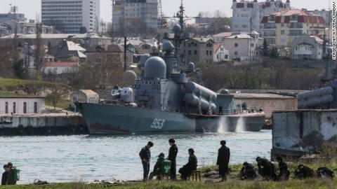 Βύθιση ουκρανικού περιπολικού σκάφους από πυρά