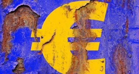 Handelsblatt: Οι αγορές γυρίζουν την πλάτη στο ευρώ