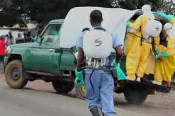 Έμπολα: Συγκλονιστική «σύλληψη» ασθενή που δραπέτευσε! (vid+pics)