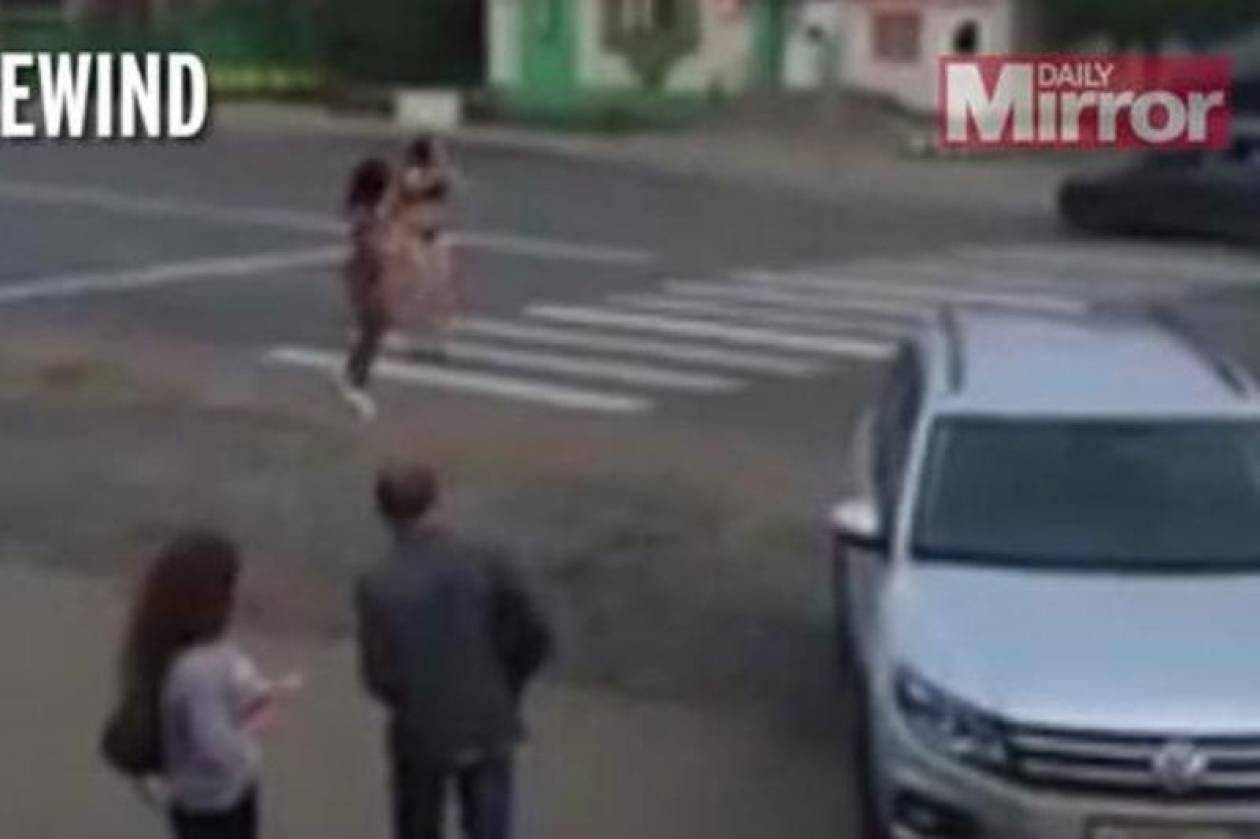 Αυτά παθαίνεις όταν προκλητικές Ρωσίδες σε ξεμυαλίζουν! (vid)