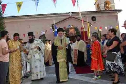 Μέχρι αύριο το Τίμιο Ξύλο στον Αγ. Αθανάσιο στην Ιστιαία
