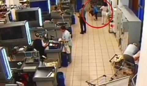 Τραγικό: Γιαγιά εγκατέλειψε τον εγγονό της σε σούπερ μάρκετ (pics+video)