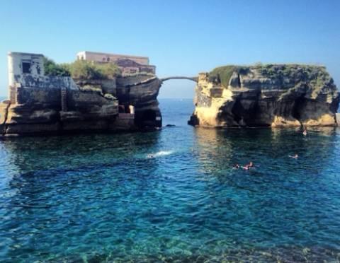 Το πιο αλλόκοτο και καταραμένο νησί της Μεσογείου