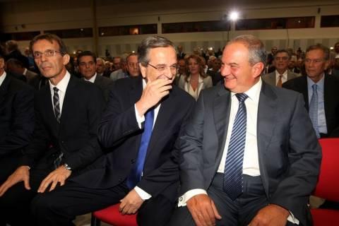 ΔΕΘ: «Καλώς ήρθες Πρόεδρε της Ελλάδας» φώναζαν στον Καραμανλή