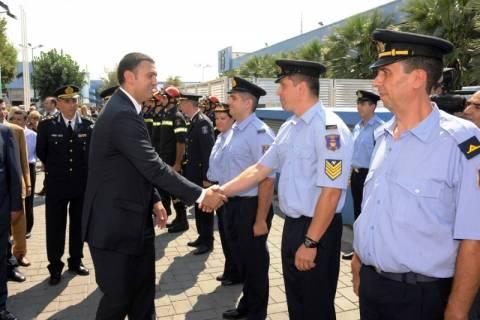 ΔΕΘ: Τα περίπτερα της Αστυνομίας και της Πυροσβεστικής εγκαινίασε ο Κικίλιας
