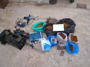 Τρίκαλα: Εντοπίστηκε εργαστήριο επεξεργασίας αφορολόγητου καπνού (pics)