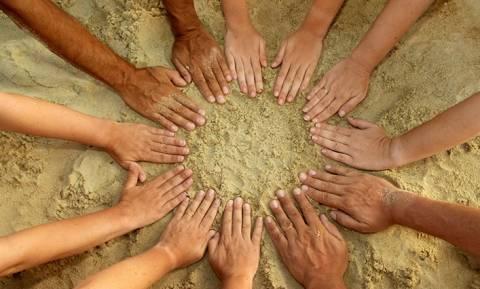 Όσοι κάνουν εθελοντισμό... ζουν περισσότερο και καλύτερα