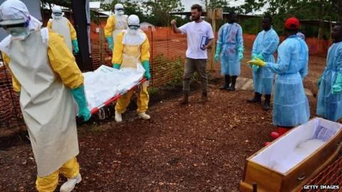 Έμπολα: Η ασθένεια εξαπλώνεται στη Λιβερία