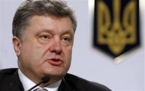 Την απελευθέρωση 12.000 αιχμαλώτων επιβεβαίωσε ο Ποροσένκο