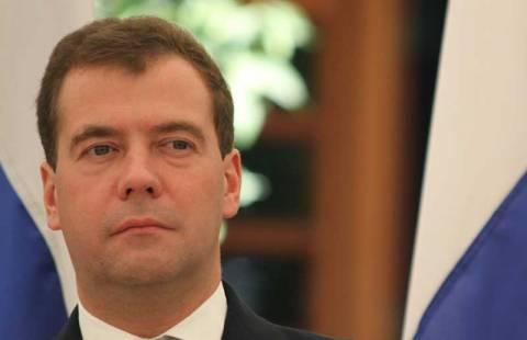 Μεντβέντεφ: Η Μόσχα «θα προστατεύσει» τις εταιρείες από τις κυρώσεις