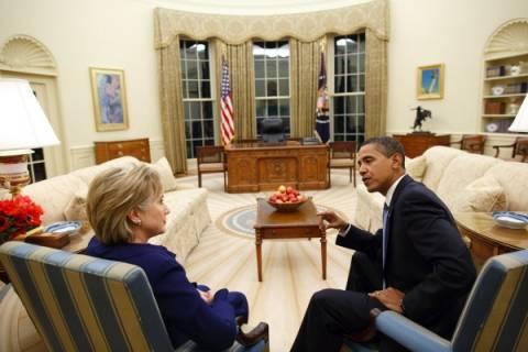 Τι έκανε ο βαριεστημένος πιτσιρικάς στον καναπέ του Ομπάμα
