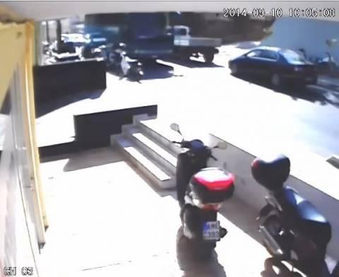 Κρήτη: Δείτε το βίντεο από την ανατροπή αυτοκινήτου στο Ρέθυμνο