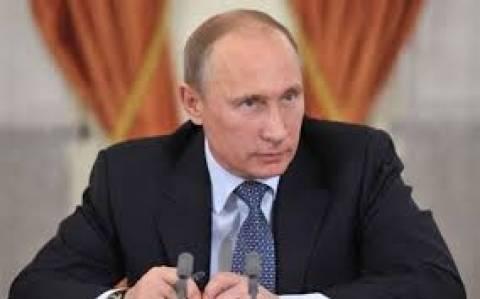 Ο Πούτιν αναλαμβάνει την αμυντική βιομηχανία