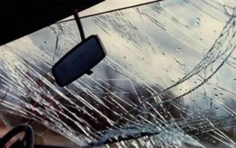 Ανατροπή αυτοκινήτου στην εθνική οδό Αθηνών - Λαμίας