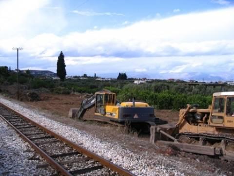 Υπεγράφη η σύμβαση για τη συνέχιση των έργων στο σιδηροδρομικό δίκτυο Κιάτο - Ροδοδάφνη
