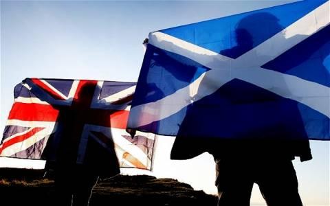 Σκωτία: «ΟΧΙ» στην ανεξαρτητοποίηση λέει το 52%