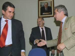 Ο Ρόντος «δίνει» Παπανδρέου και Λοβέρδο για το σκάνδαλο της ΜΚΟ