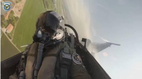Οι «αετοί» της 115 ΠΜ - Βίντεο μέσα από το πιλοτήριο
