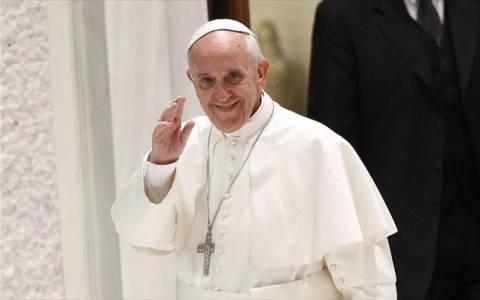 Ιταλία: Ο πάπας Φραγκίσκος πάντρεψε ζευγάρια που είχαν εξώγαμα παιδιά