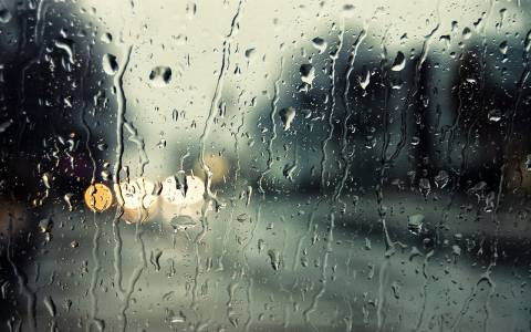 Καστοριά: Καταιγίδα έπληξε την πόλη - Πλημμύρισαν οι δρόμοι (pics&vid)