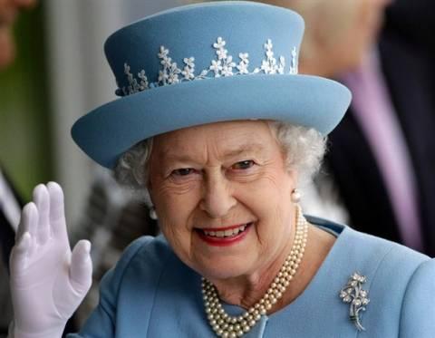 Η βασίλισσα κάλεσε τους Σκωτσέζουν να «σκεφτούν προσεκτικά το μέλλον τους»
