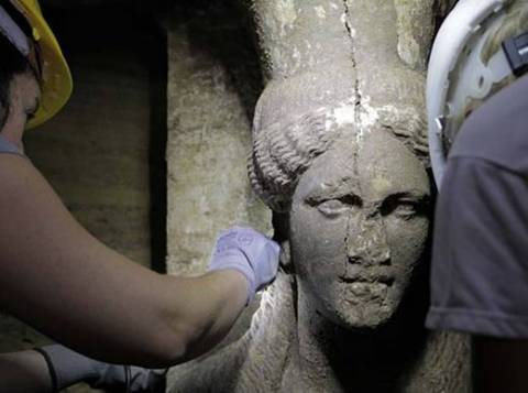 Amphipolis: Looking for the identity of the buried person